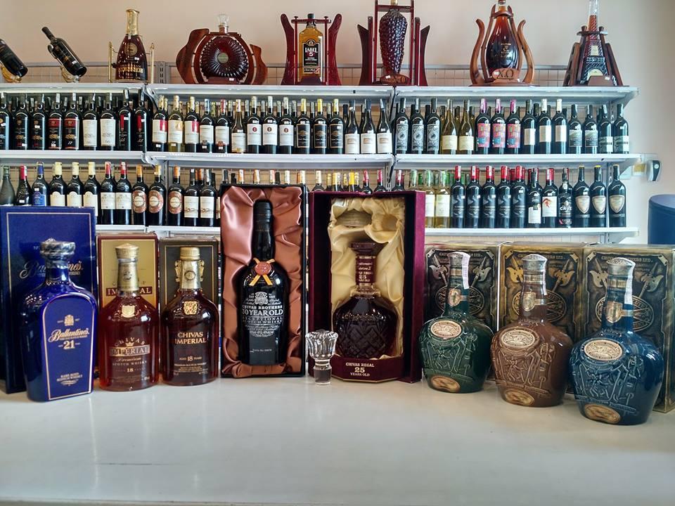 cửa hàng rượu ngoại